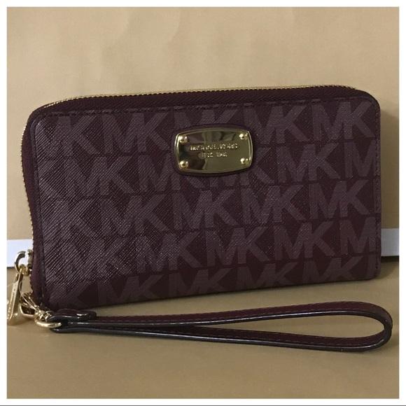 1d47a7f9528e61 Michael Kors Bags | Nwt Mk Jet Set Large Phone Case Wristlet Wallet ...